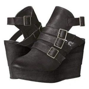 Sbicca Gomez Slingback Buckle Black Wedge 7
